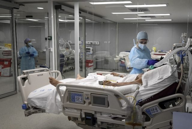 Spain suffers its second wost month for Covid-19 deaths