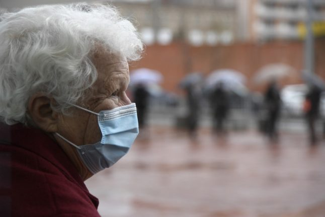 Vaccine rollout: Covid cases and deaths plummet at Spain's care homes