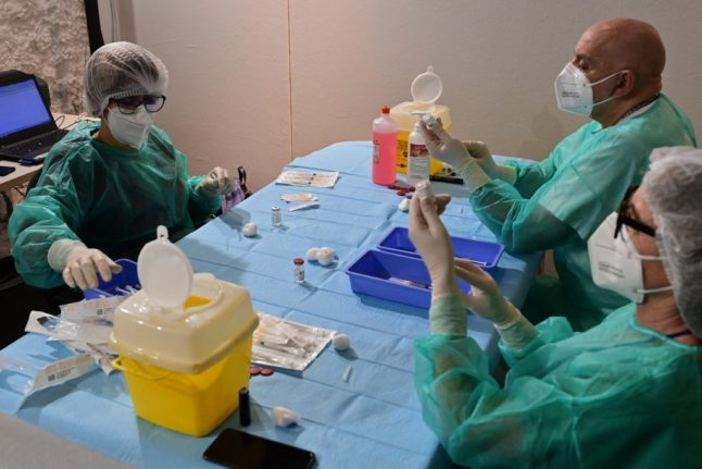 Pressure grows on Spain to offer AstraZeneca vaccine to people aged up to 65