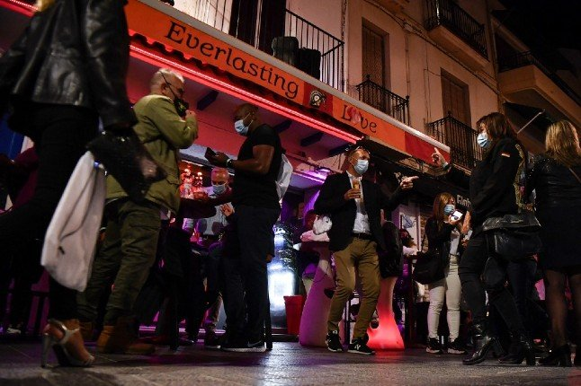 Spanish town parties like it's 2019… and it's all in the name of science