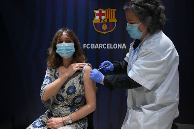 Five regions in Spain announce dates to open Covid vaccines for people in their 30s