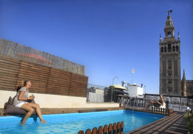Spain roasts in sizzling heat with temperatures up to 44C