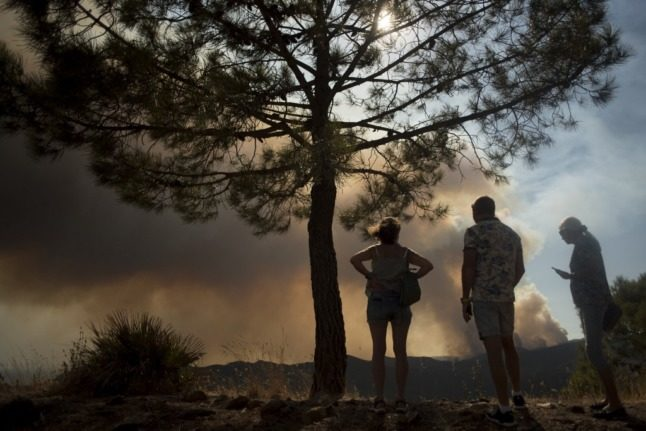 800 people evacuated as wildfire rips through Spain's Malaga province