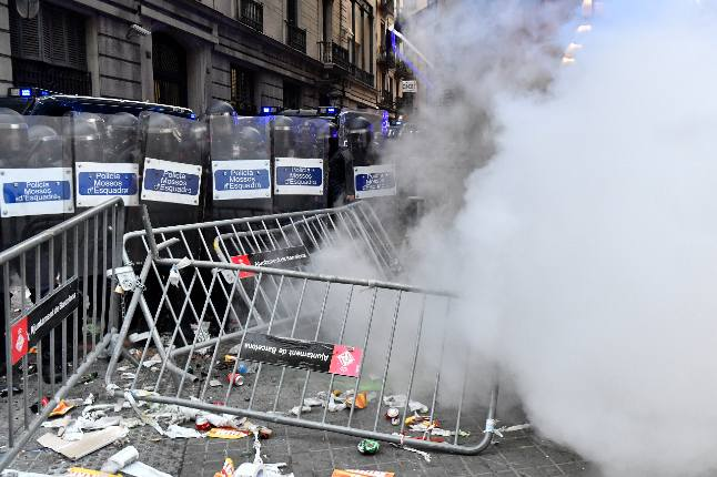 IN PICS: Catalan Diada protest ends in clashes with police