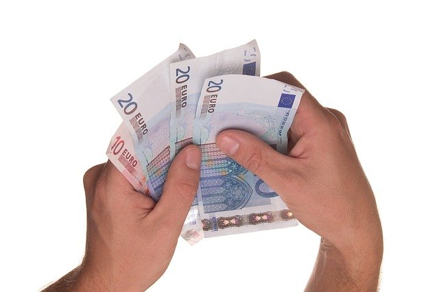 How to get cash out in Spain when there are no ATMs